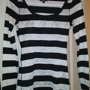 Express womans XS long sleeve striped